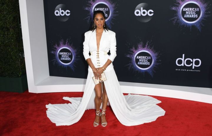 Red Carpet Rundown: Your Favorite Celebs at the 2019 American Music Awards